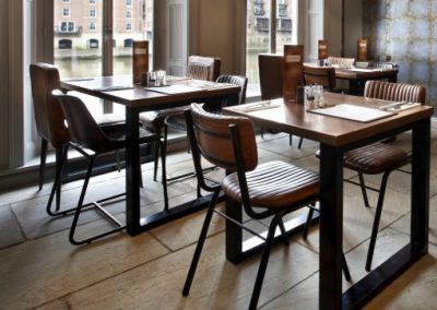 lils-bar-small-chairs-portf